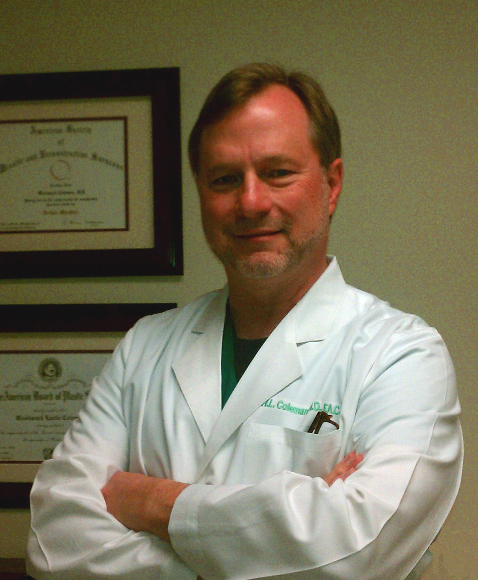 Dr. Woodward L. Coleman / Woodie Coleman's San Antonio TX office serves the areas of Austin TX, San Marcos TX and Kerrville TX. Dr. Coleman specializes in cosmtic surgery with a subspecialty in hand surgery.